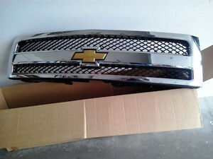 2010 Chevrolet C/K Pickup 1500 front grill