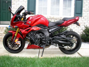 End Of Season Special - Showroom Condition FZ1 REDUCED