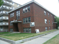 nice innce city in Connaght 1 bedrm apart $990 /mo include utili