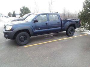 2005 Toyota Tacoma PreRunner Pickup Truck