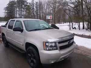 Beautiful 2007 Chevy Avalanche LT