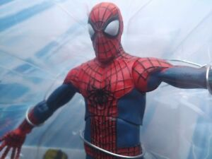 MARVEL SPIDERMAN 2 special collector edition action figure