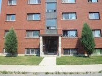 2 Bedroom-close to downtown/spacious/bright