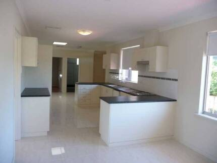 A furnished single bedroom near Morley Galleria