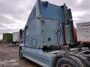 Freightliner century class  2007 c15 cat 13 speed manual