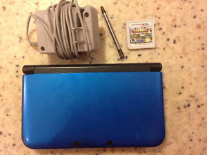 3ds XL w/ charger & 2 games