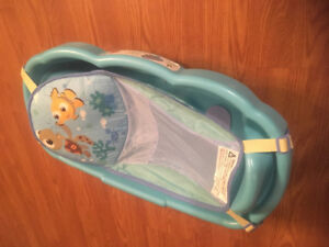 Baby bath with sling insert