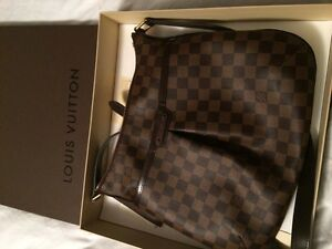 Authentic Louis Vuitton Bloomsbury PM in Damier Brand New