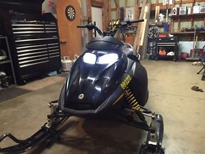 04 skidoo 600ho trail pass included  London Ontario image 6