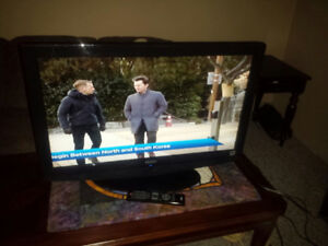 32'' HAIER LCD/EXC.COND./PERFECT PIC/REMOTE/