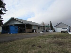 Spacious 3 bedroom bungalow with double car garage