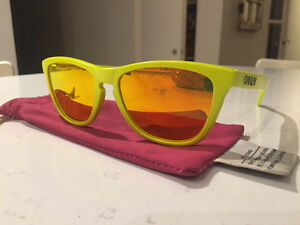 Oakley Frogskins *limited edition* London Ontario image 6
