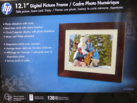 Digital Picture Frame to Display Photos