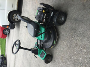 Lawn tractor - Weed Eater One