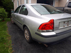 2004 Volvo S60! Runs and Drives awese!