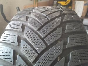 One Dunlop M/S 245-50-R18 on Rim Kitchener / Waterloo Kitchener Area image 3