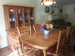 Beautiful Dining Room Hutch and Table