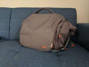 Shoulder/Messenger Bag (STM Velo 2 Medium)