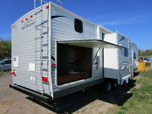 33ft with bunk house