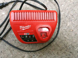 Milwaukee m12 battery charger good condition