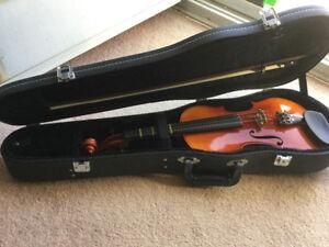 Suzuki violin 4/4 model 220 Anno 1992.
