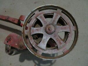 Tondeuse manuelle, machine a coudre  Singer  (Antique)
