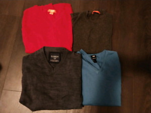 Lot of 4 mens sweaters sz small