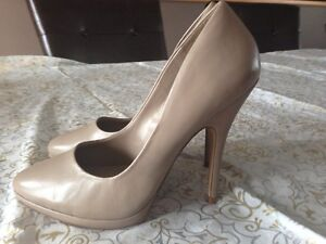Aldo pump beige women's heel shoes