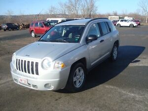 2007 JEEP COMPASS 4WD 4DR $4000 TAX'S IN CHANGED INTO UR NAME