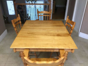 Table et chaises en merisier/birch table and chairs