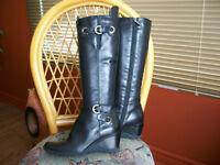 Aquatalia , Très belles bottes de marque  , valeur de 525 $