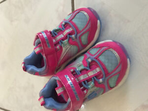 Toddler girl Skechers shoes size 5, never worn
