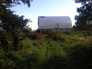 FREE Barn to someone who wants to take it down