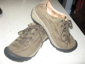 Keen Toyah Lace Up Shoes   Size 8