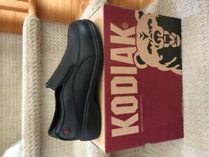 Kodiak Jen safety shoes - CSA certified BRAND NEW size 8