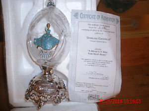 Collectible CINDERELLA Crystal FABREGE EGG with Cert of Auth London Ontario image 2