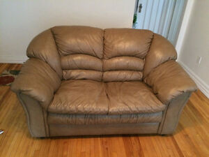 LEATHER LOVE SEAT & 2 MATCHING CHAIRS $150 OBO
