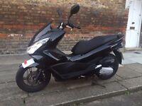 Honda PCX 125cc - Black, Low Milage, 2 Owners, New Shape, LED Lights, 100+ MPG, Light Frame.