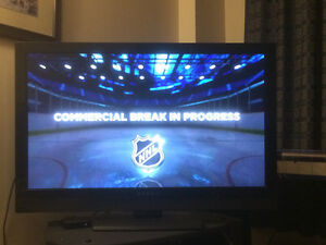 40' Dynex Flat Screen TV- Perfect Condition