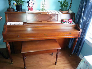 Piano - Negotiable - Lindsay