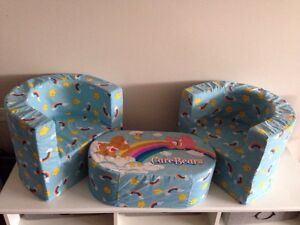 Chaises enfant & table / Child armchairs & table