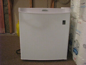 Sunbeam 1.7 cu.Ft. Compressor Compact Fridge