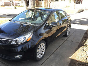 2012 Kia Rio EX Sedan - low KMS