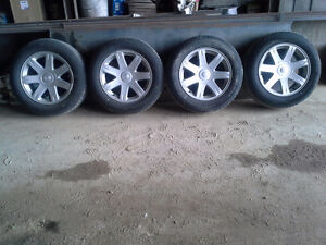 4 MAGS CHRYSLER 300 LTD ET PNEU P 215R65/17