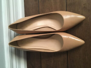 COLE HAAN High Heels in Nude - Like New