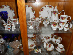 royal albert service for 12 comes with coffee pot teapot 12 egg