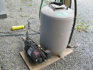 GOOD CONDITION  WATER PRESURE PUMP AND TANK