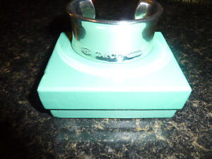TIFFANY 925 BRACELET WOULD MAKE A GREAT VALENTINES GIFT