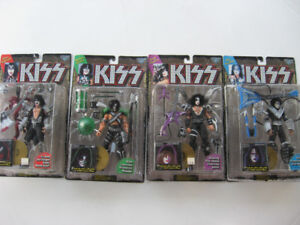 KISS Figures Sets McFarlane 1997 Letters Gold & Black Record