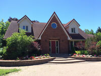 PRIME METCALFE LOCATION - priced to sell 4 bedroom on 1.5 acres